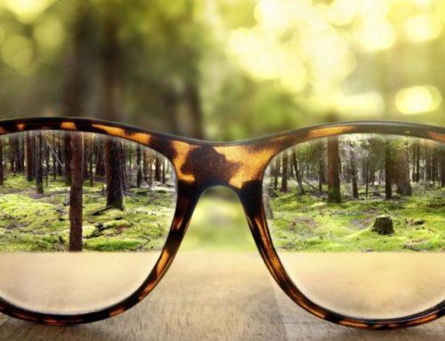 Gli occhiali giusti per non soffrire di dolori cervicali